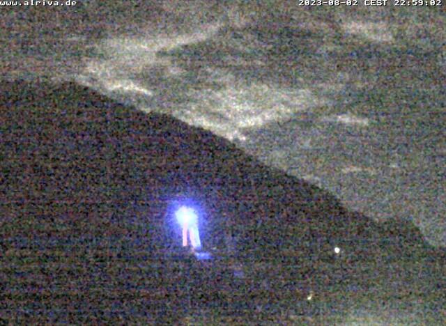 Externes Bild: https://webcams.tramino.net/alriva/fewo-webcam-medium.jpg