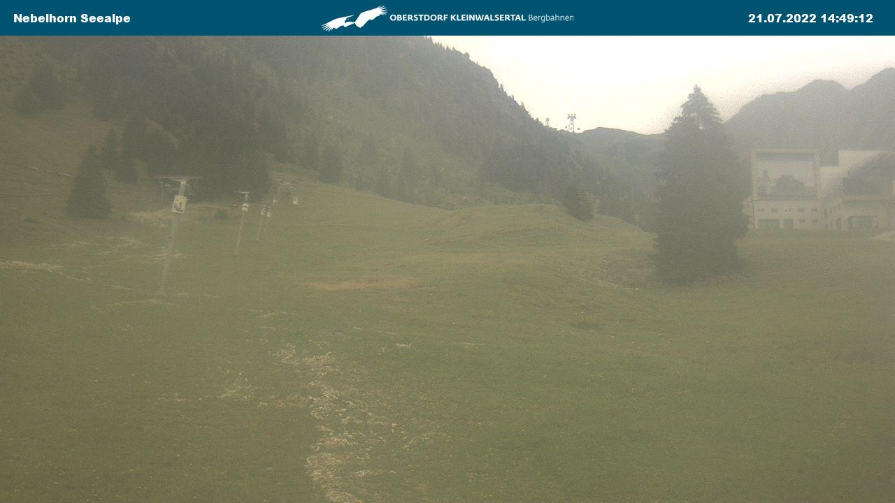 """Panorama Webcam Obersdtdorf im Allgäu - Blick auf die Zwischenstation """"Seealpe"""" der Nebelhornbahn"""